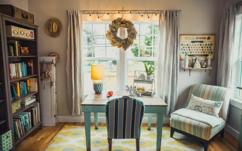 7 DIY Projects to Organize Your Home Office