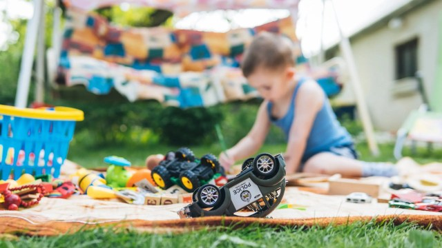 Making learning fun will keep them engaged and happy and will allow for some bonding time for all your loved ones. Keep reading for some of the best tips on how to make your backyard a safe, functional space for your child on the autism spectrum. #autismparenting #autismawareness