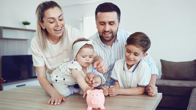 The first step in financial planning is understanding your income and expenses. Check out these top Financial Tips for New Parents #parentingtips #parentingadvice #Parenting #savingmoney #financialplanning