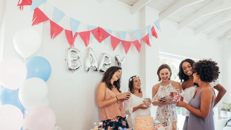 Want your friends to have a fabulous time at your loved one's baby shower? Try these baby shower activities on for size! #babyshower #pregnancy #party
