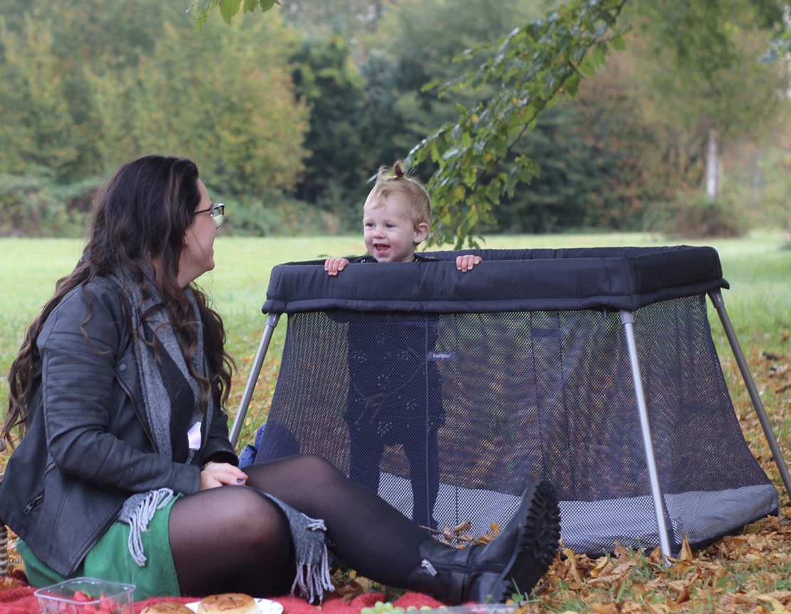 Campingbedje Baby Bjorn.Review Babybjorn Easygo Campingbedje The Mommy Diaries