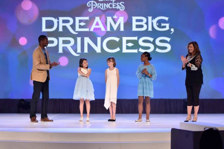 Mom 2.0 Summit Dream Big Princess