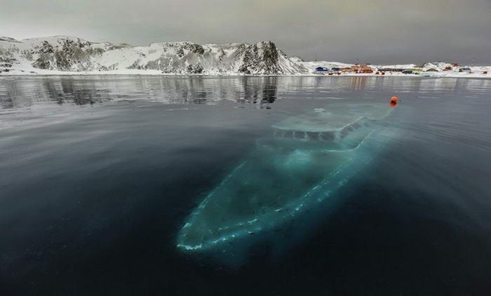 Iate Sunken - Antártica