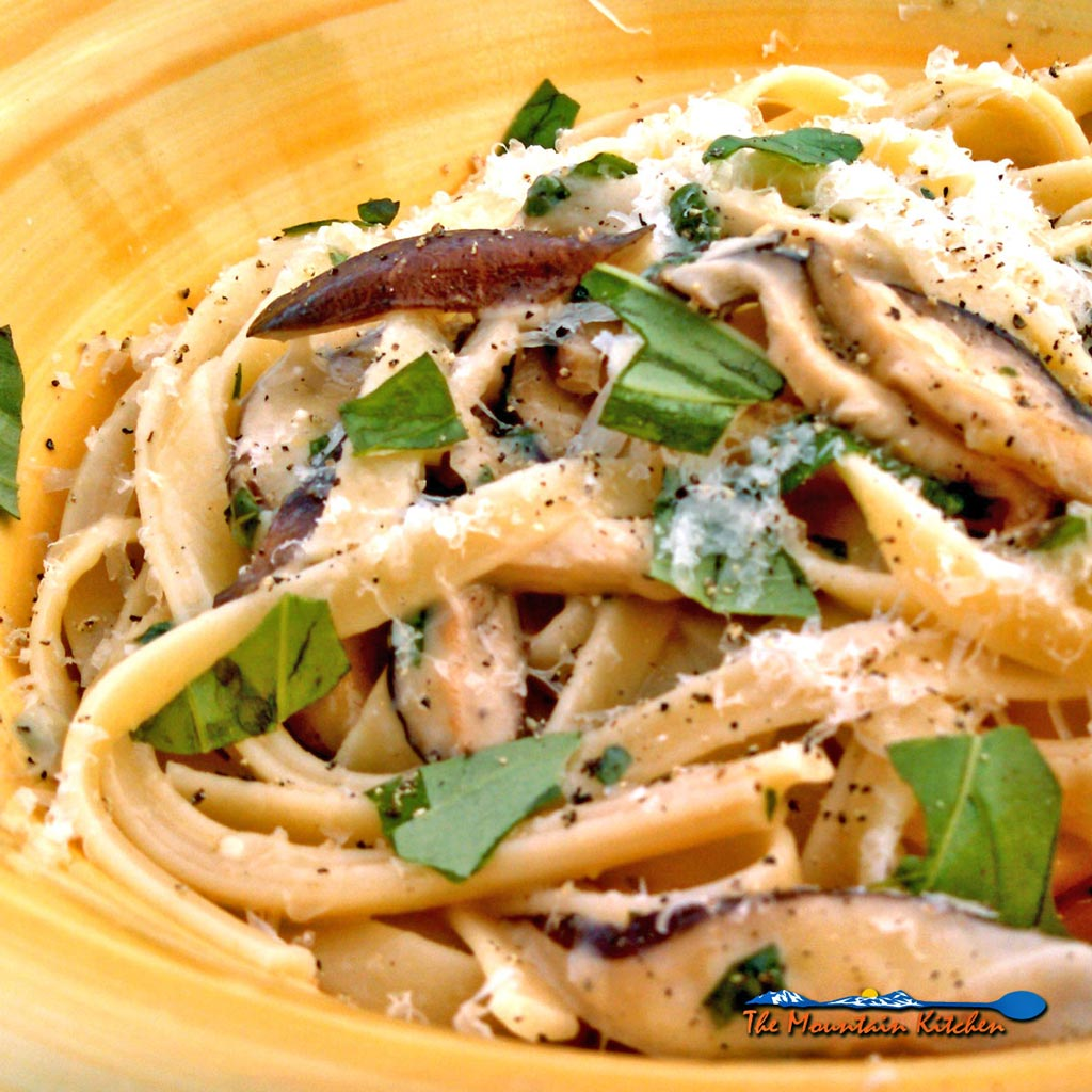 Zesty Shiitake Mushroom Pasta {A Meatless Monday Recipe