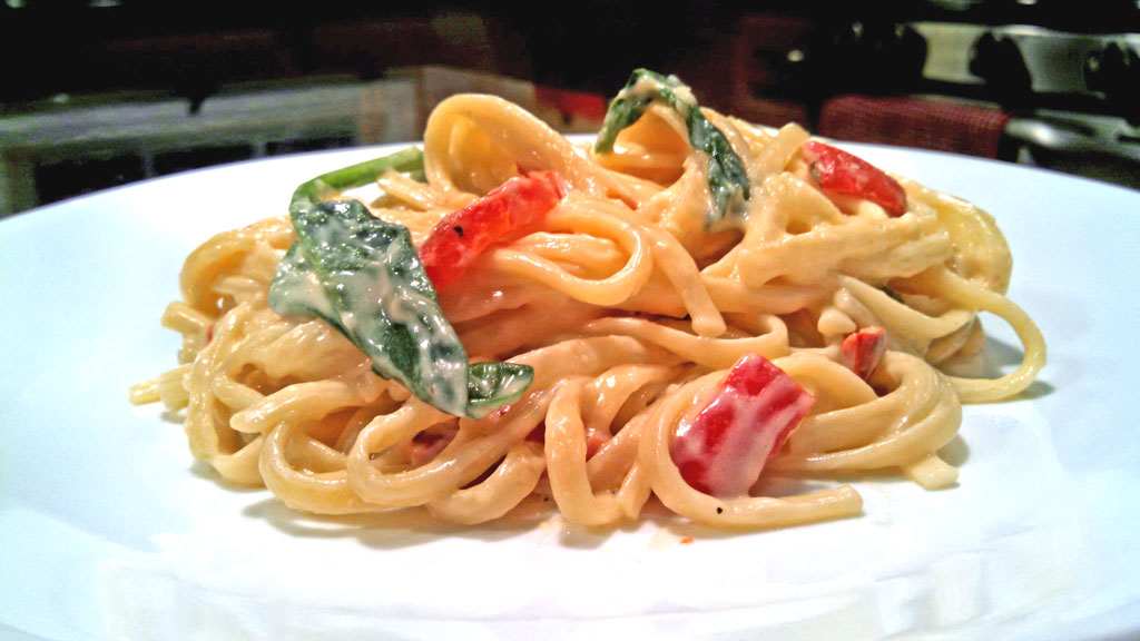 Red Pepper Spinach Linguine With Parmesan Cream Sauce