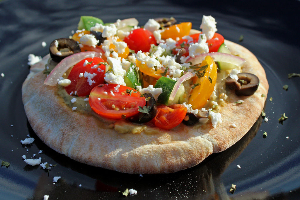 No-Bake Greek Pizza ready to eat