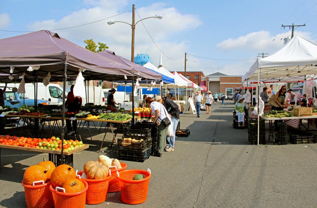 Warrenton farmers' market