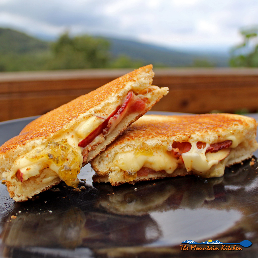Bacon, Apple and Gouda Grilled Cheese Sandwiches With Jalapeno Jelly