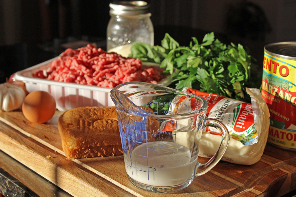Ingredients needed to make the meatloaf.