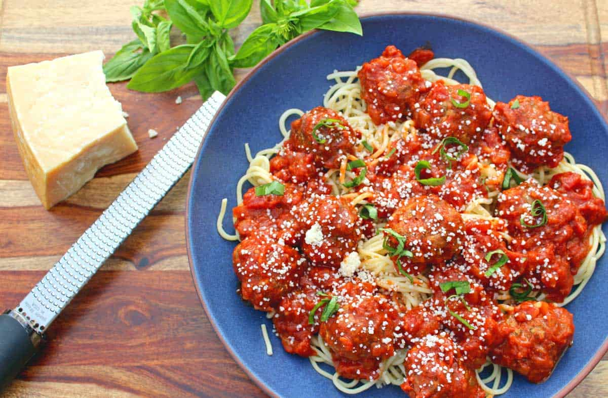 These easy Italian meatballs are really simple to make using basic ingredients for the most well-balanced meatballs you'll ever put in your mouth!