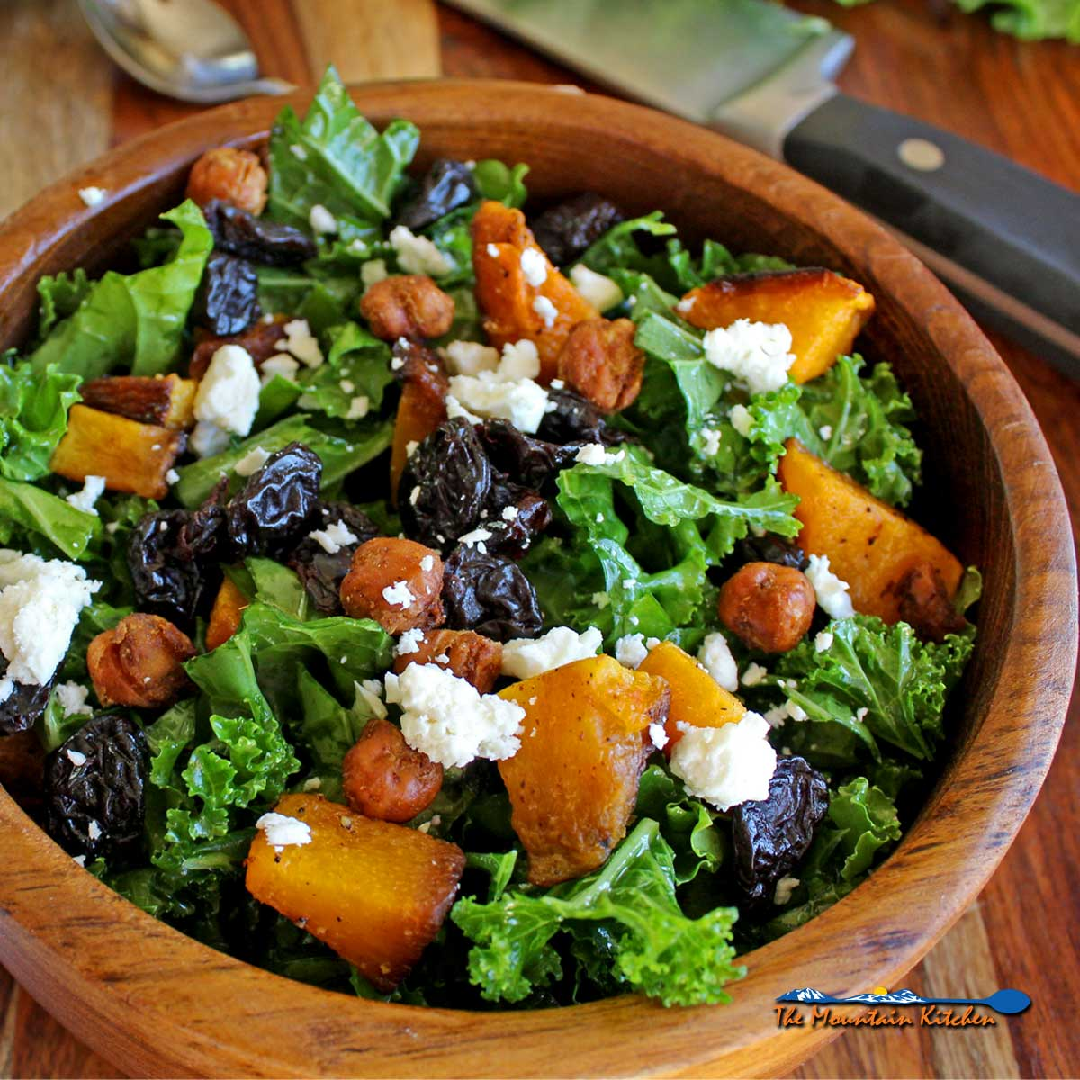 Roasted Butternut Squash Kale Salad {A Meatless Monday Recipe