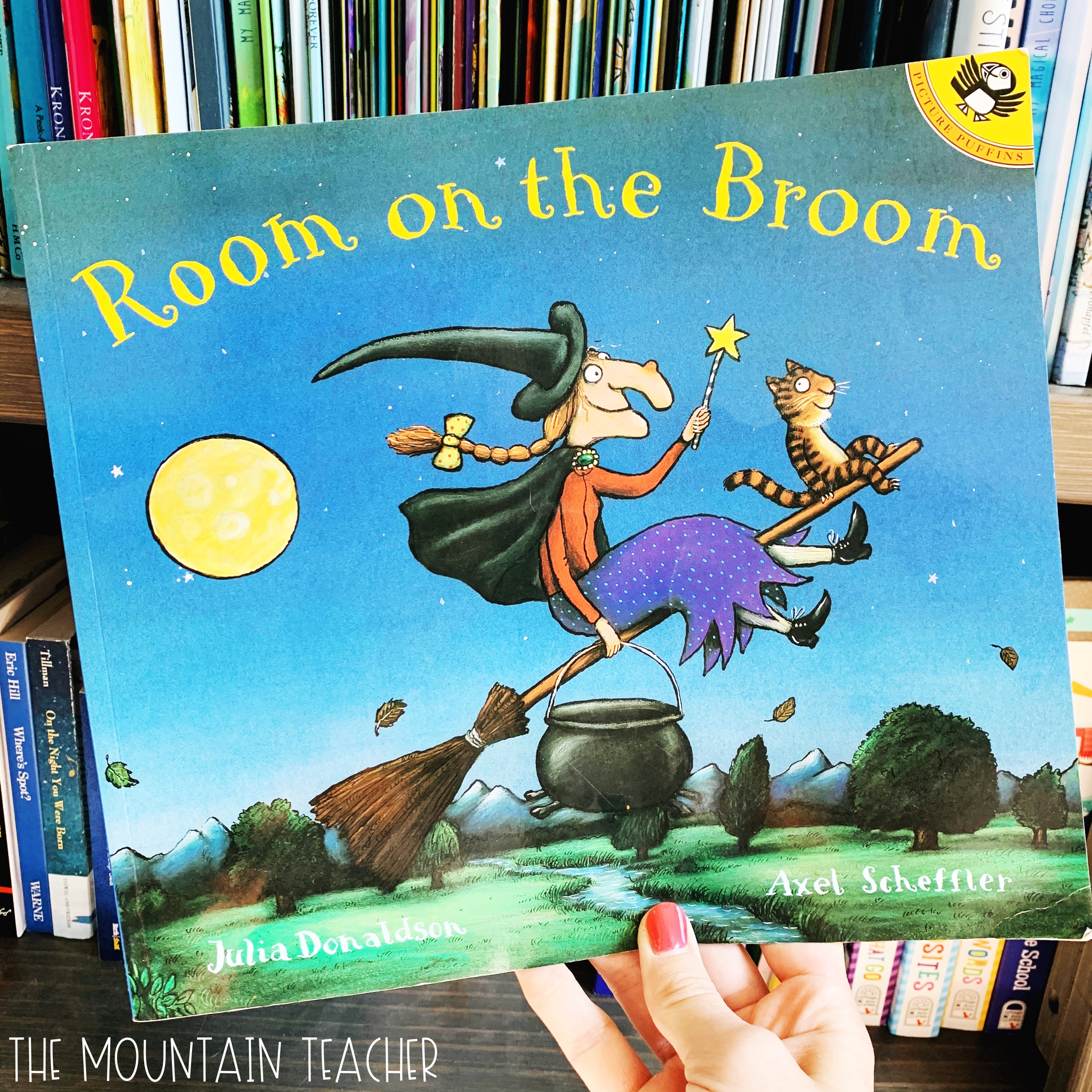 Halloween Read Alouds for Any Classroom: Room on the Broom