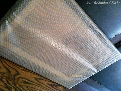 Pack pictures and paintings in bubble wrap