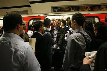 English: Congestion on the London Underground