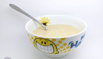 cheats honey and banana breakfast yoghurt
