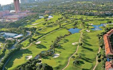 With the right approach, municipal golf courses can turn a profit utilizing innovative ideas to pull in new golfers or people who normally wouldn't visit a golf course or clubhouse. (FloridaStock/Shutterstock.com)
