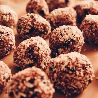 Cranberry-licious Balls