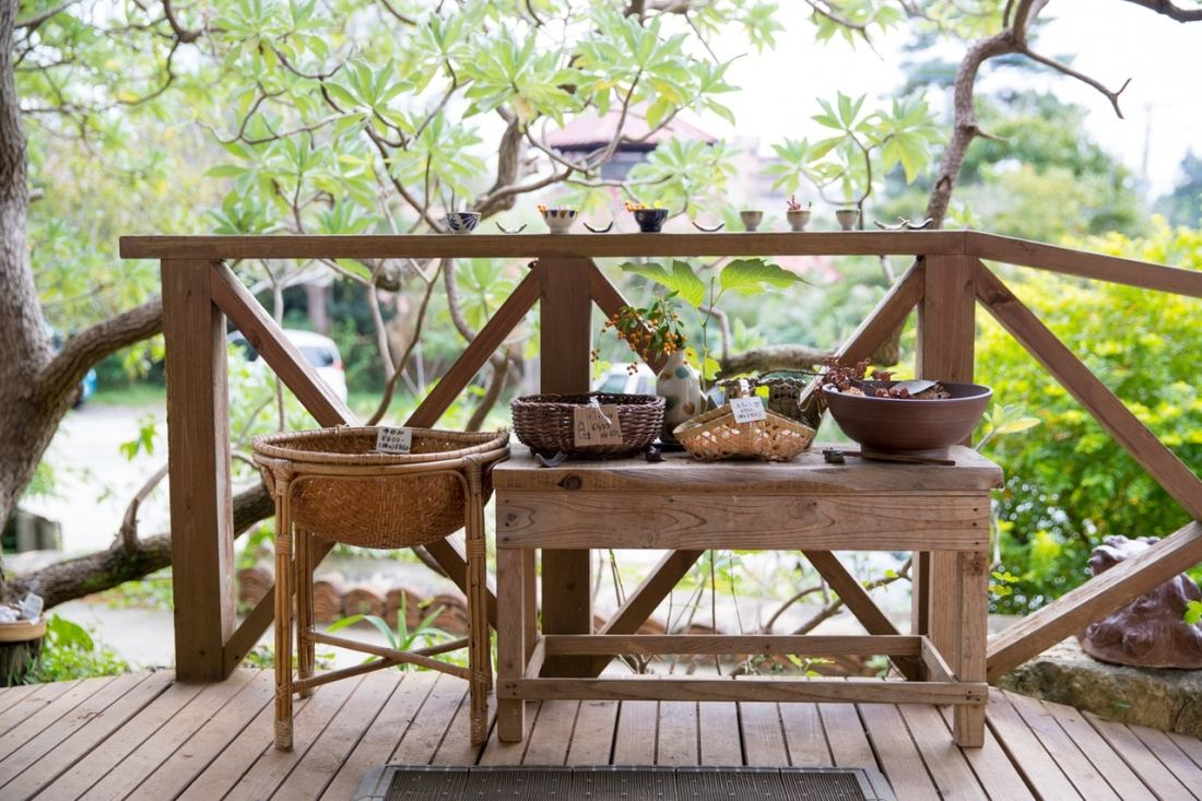rustic patio tables