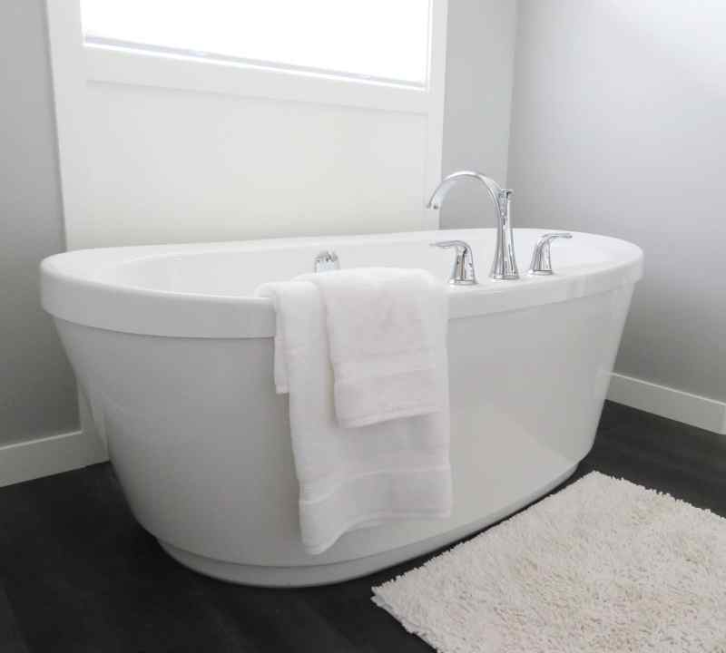 white soaker tub