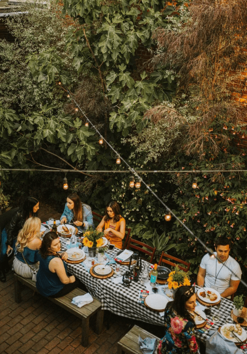 Summer Grilling Inspiration - Summer Backyard Party Decor