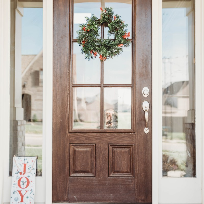 Holiday Decor + Gift Guide with Dollar General