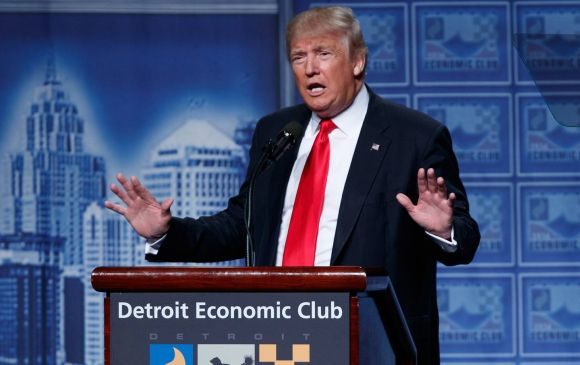 Donald Trump Spreads Economic Fairy Dust