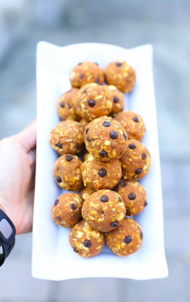 vegan pumpkin chocolate chip energy balls