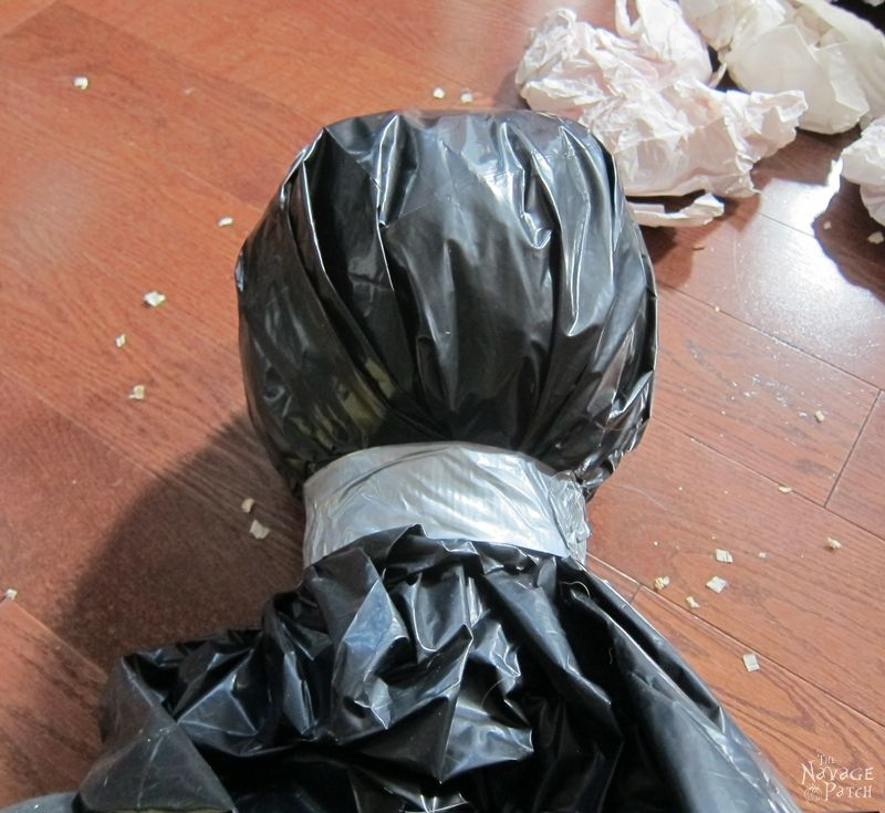 Bagged Bodies: A Life-Size Halloween Prop | DIY Halloween decor | Easy & budget crafts | DIY Life-size Halloween prop | Spooky and gothic decor | Upcycled Halloween decor | TheNavagePatch.com
