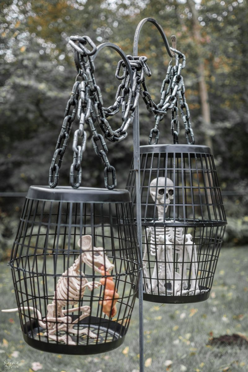Hanging Cage Halloween Prop | DIY Halloween decor with Dollar store supplies | Dollar Store DIY Halloween prop | Upcycled and Repurposed Halloween decor |#TheNavagePatch #DollarStore #DollarTree #Upcycle #Repurposed #halloweendecorations #halloween #halloweenparty #easydiy #DIY | TheNavagePatch.com