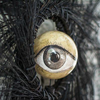 Eyeball Orb Halloween Wreath | Easy and budget friendly DIY Halloween wreath| Quick and elegant Halloween wreath | Fun and spooky Halloween decorations| TheNavagePatch.com