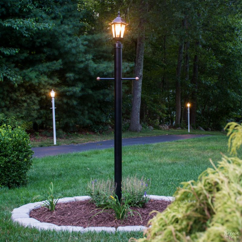 Lamp Post Makeover | How to create a perfect landscape ring | How to create a perfect circle when edging | How to renew your lamp post within hours | How to increase curb appeal on a budget | DIY curb appeal | DIY edging | #TheNavagePatch #DIY #Landscaping | TheNavagePatch.com