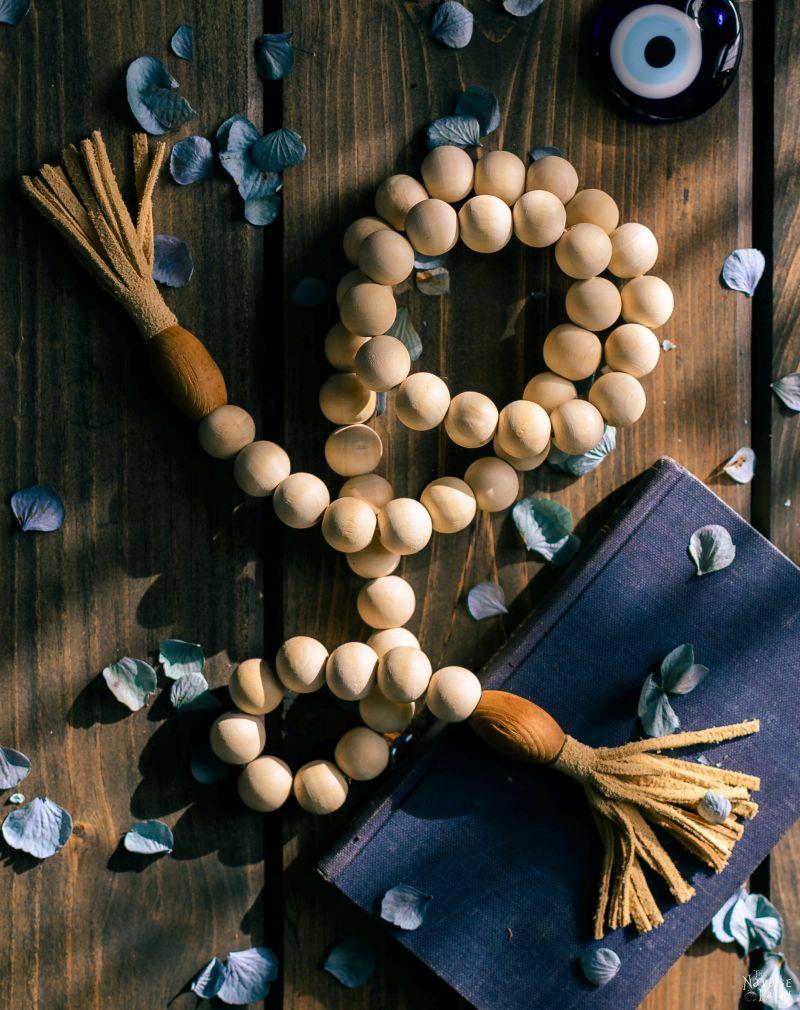 DIY Leather and Yarn Tassels | DIY Embroidery floss tassels | DIY leather tassel keyring | DIY leather tassel bag charm | How to make a yarn tassel | How to make embroidery floss tassels | Step-by-step tassel tutorial | DIY Bohemian style suede tassels | #DIY #tutorial #diytutorial #DIYHomeDecor #BohemianStyle | www.TheNavagePatch.com