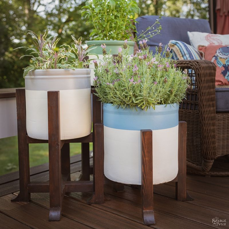 DIY Planter and Plant Stand | How to make a modern plant stand | Pottery Barn inspired mid-century plant stand | Upcycled crocks | Repurposed vintage crocks | Pottery Barn inspired planter | Knock-off decor | #TheNavagePatch #DIY #Garden #Tutorial #HowTo #Knockoff #Upcycled #Repurposed #potterybarninspired #potterybarnhack #DIYHomeDecor #potterybarn #Planter #Midcentury #Farmhouse | TheNavagePatch.com