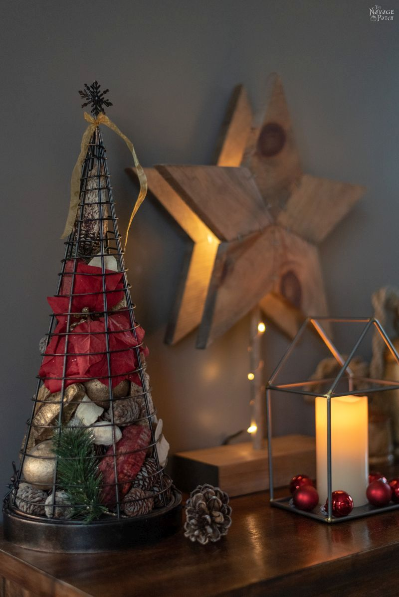 Merry Christmas Home Tour 2018   Classic Christmas home decor ideas   Red, green and white Christmas with upcycled and DIY holiday decor   #TheNavagePatch #easydiy #Christmas #Upcycled #DIY #Holidaydecor #DIYChristmas #Christmascrafts #Winterdecor #DIYHomedecor #Holidays   TheNavagePatch.com
