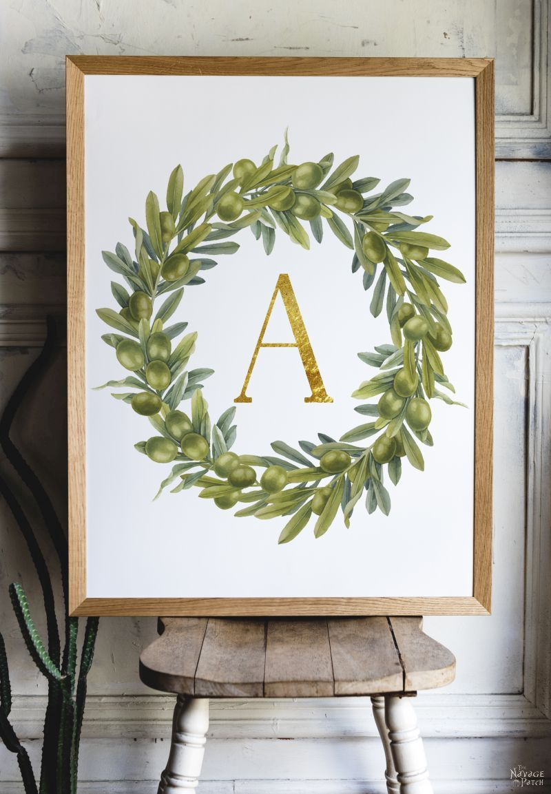 Free Printable Monogram Wall Decor and Place Cards | Free printable monogram letters| Free printable editable buffalo check monogram art |Free printable and editable buffalo check place cards | Farmhouse style olive wreath monogram letter printables | #TheNavagePatch #FreePrintable #FreeMonogram #easydiy #Initial #buffalocheck #Typography #Christmas #Thanksgiving #Holiday decor #DIY Christmas | TheNavagePatch.com