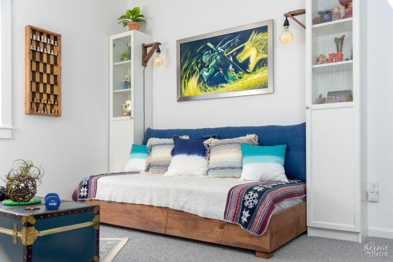 Teen Bedroom Makeover Reveal   TheNavagePatch.com