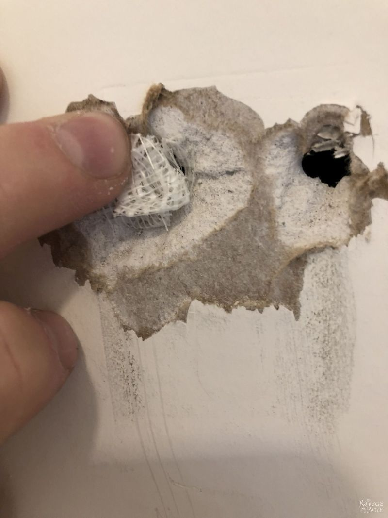 filling drywall holes