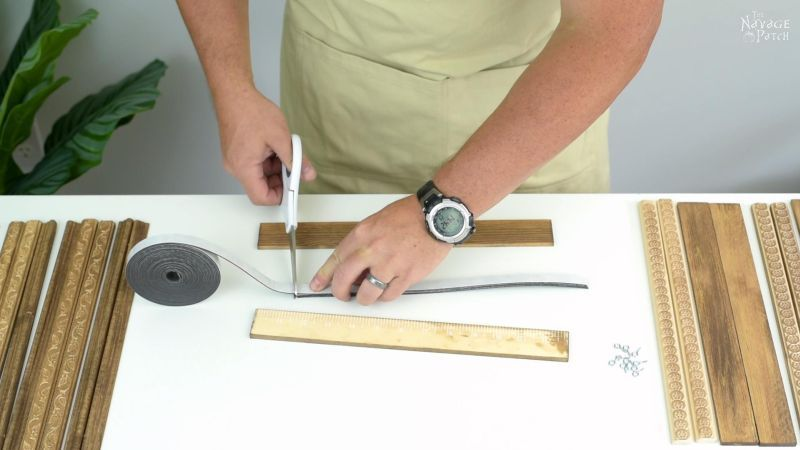 cutting magnetic tape for magnetic poster hangers