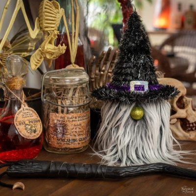 DIY Dollar Store Gnomes – TheNavagePatch.com
