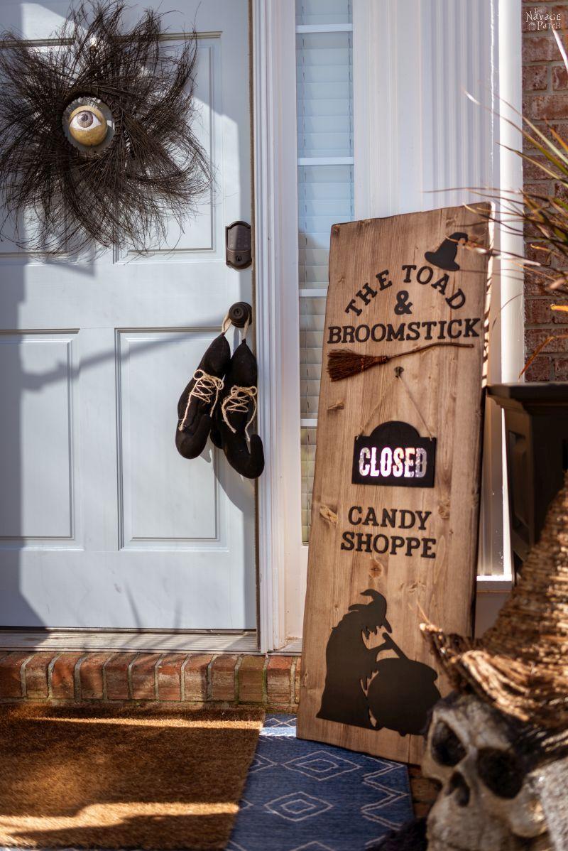 DIY Halloween Candy Shop Sign – TheNavagePatch.com