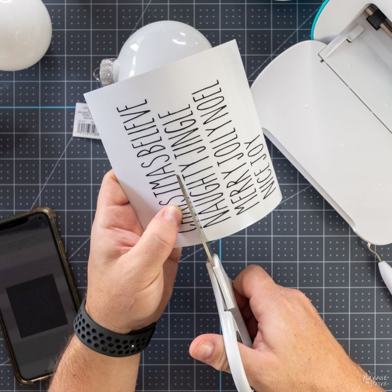 cutting a vinyle design
