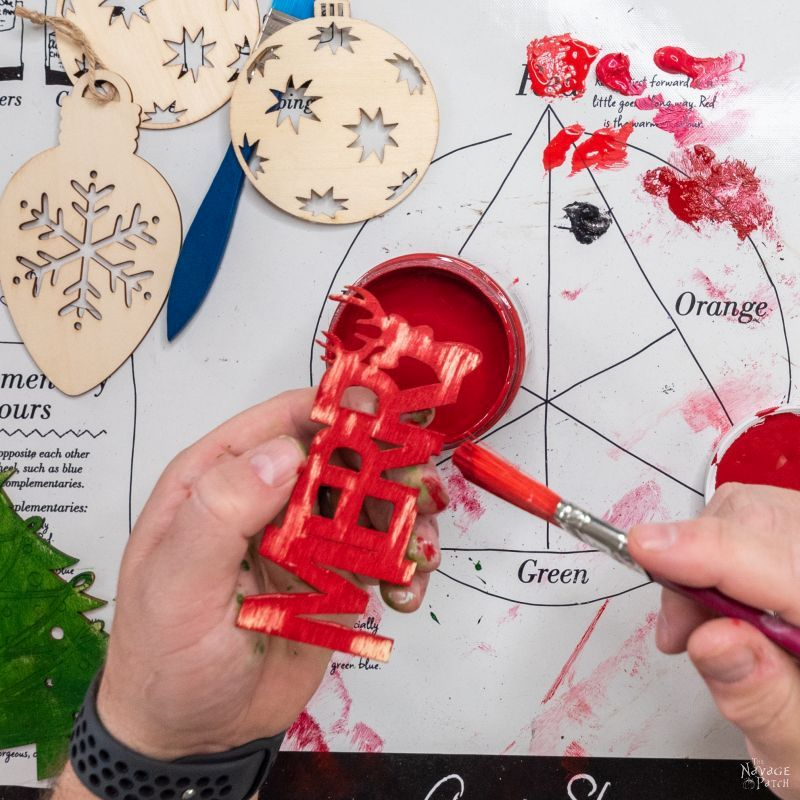 painting ornaments