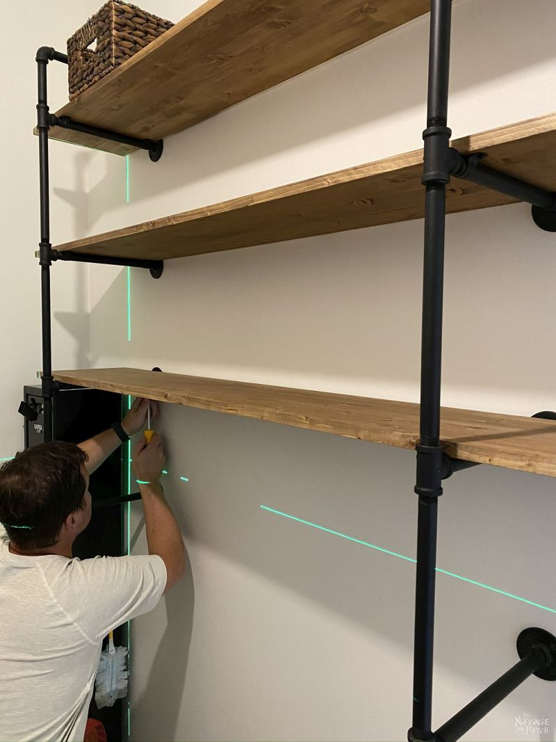 building diy industrial pipe shelves