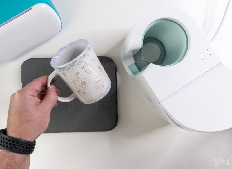 making a personalized mug with cricut mug maker
