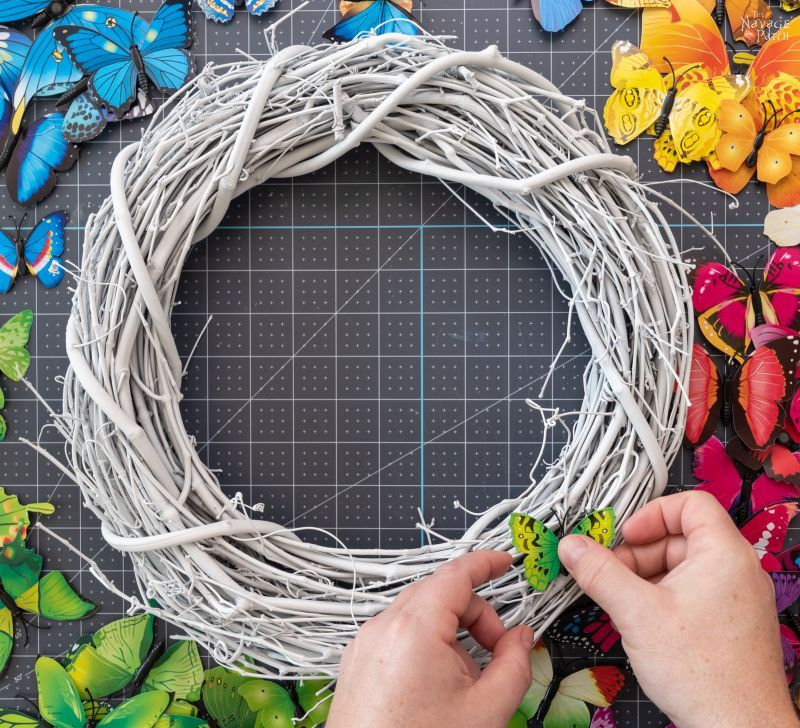making a butterfly wreath