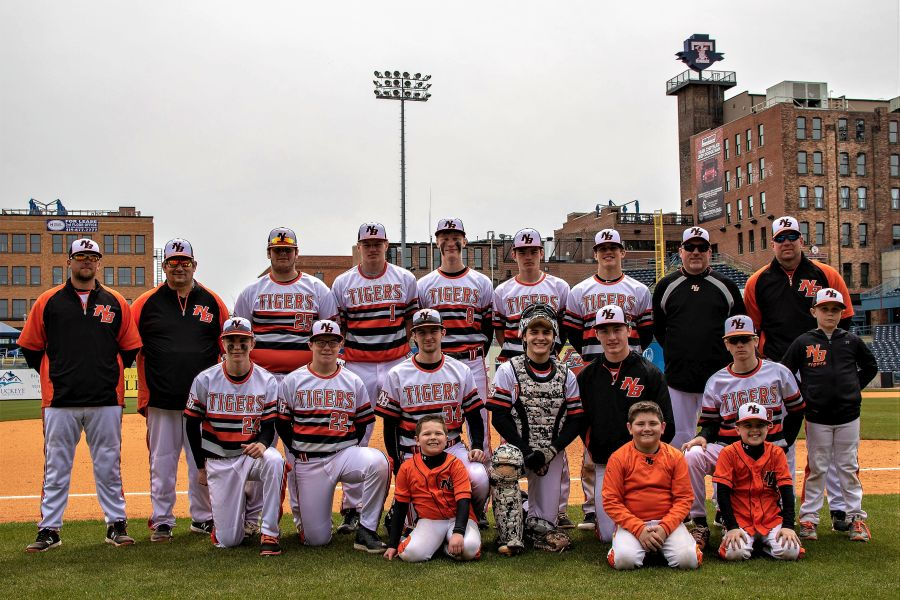 NBHS Tiger Baseball Foto Gallery from 5/3 Field