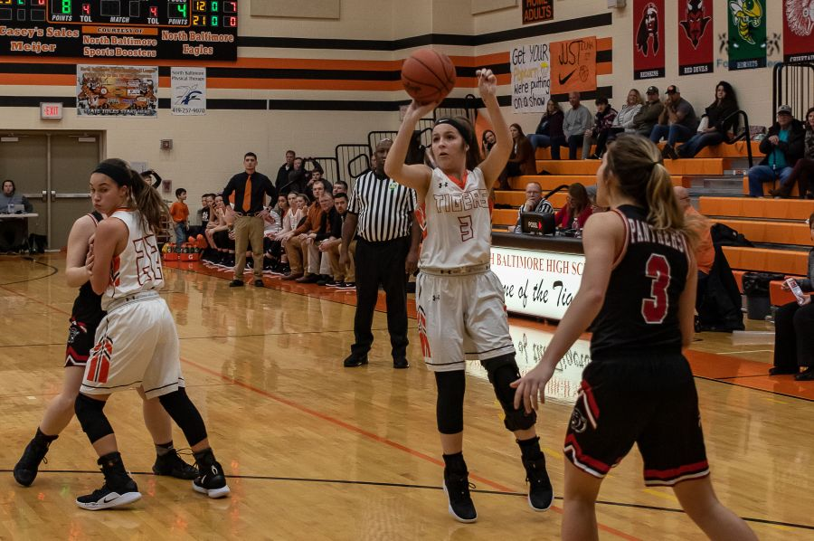 UPDATED Fotos - Lady Tigers Beat Panthers in BVC Hoops