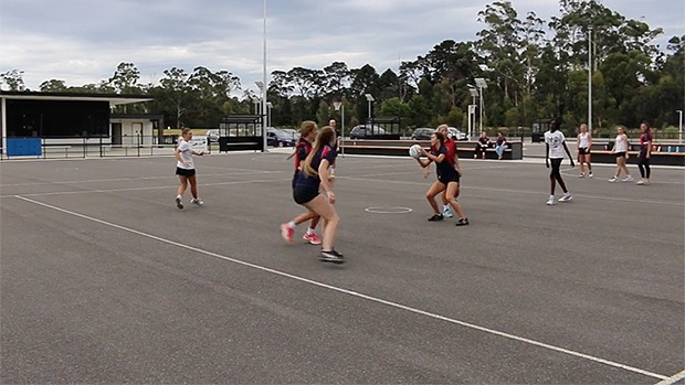 Split and pick netball drill