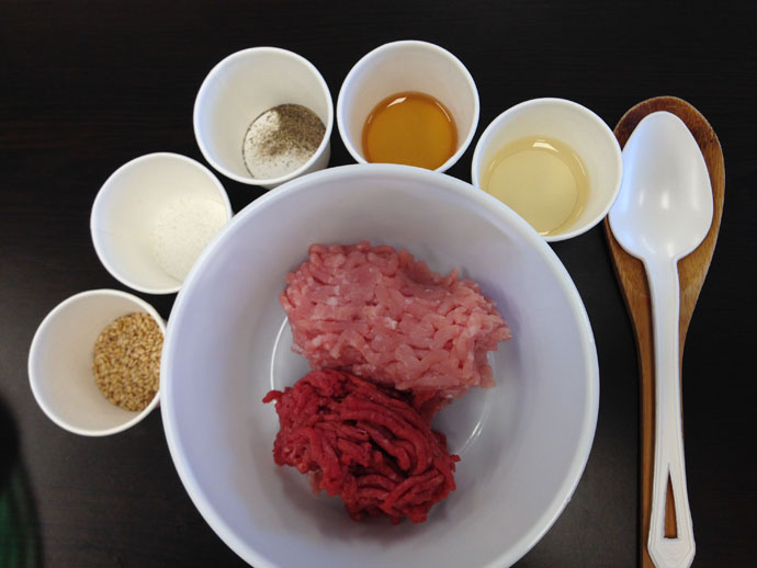 Cooking in Korea – Learning to Make Mandu