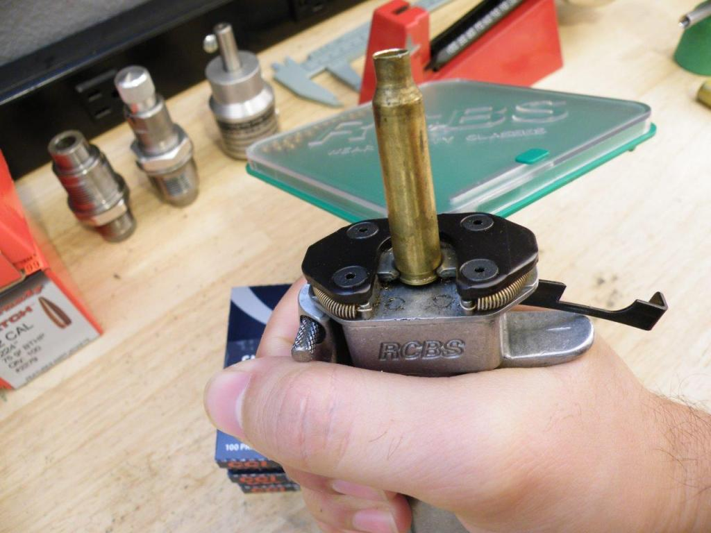 reload-bullets-in-apartment-31